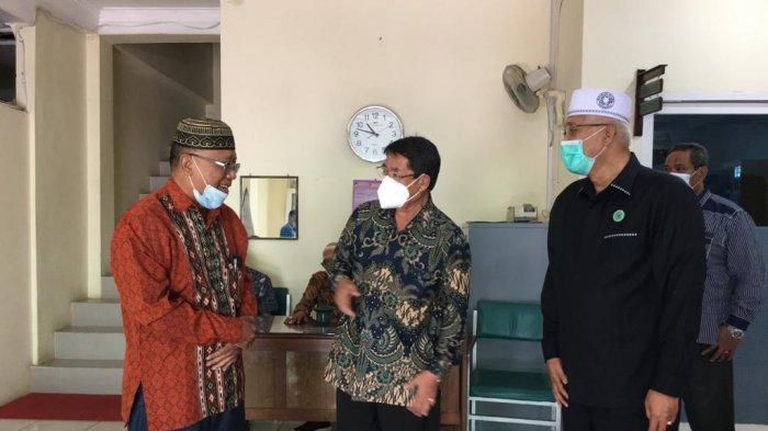 Serap Aspirasi Penundaan Ibadah Haji, Mantan Ephorus HKBP Willem Simarmata Temui Ketua MUI Sumut