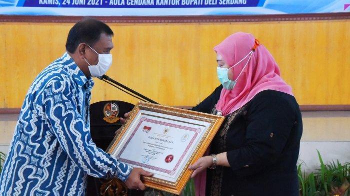 Pemkab Deli Serdang Terima Penghargaan Pelayanan Publik Tahun 2020 dari Menpan-RB