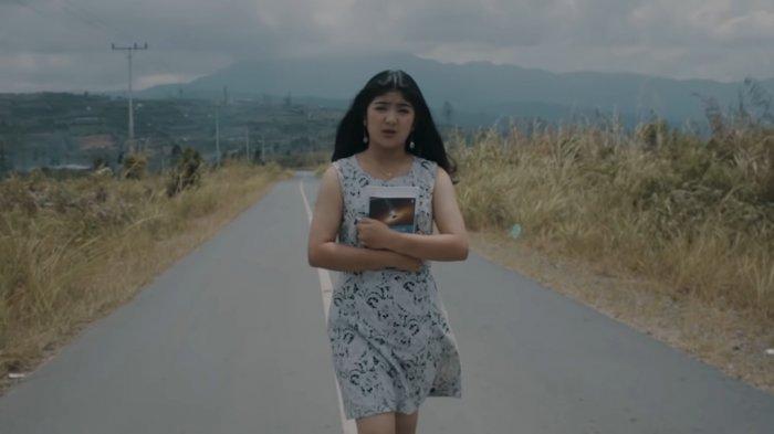 Lirik Lagu Karo Kelewatsa by Liony Tarigan