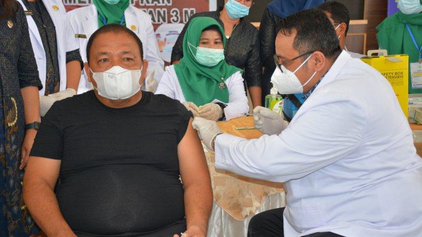 bupati-langkat-terbit-rencana-pa-melaksanakan-vaksinasi-pertamanya.jpg