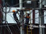 13092109_perbaikan_jaringan_listrik_danil_siregar-1.jpg<pf>13092109_perbaikan_jaringan_listrik_danil_siregar-2.jpg<pf>13092109_perbaikan_jaringan_listrik_danil_siregar.jpg<pf>13092109_perbaikan_jaringan_listrik_danil_siregar-3.jpg