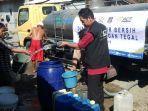 act-dan-masyarakat-relawan-indonesia-mri-tegal-mendistribusikan-14-ribu-liter-air-bersih.jpg