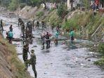 aksi-bersih-di-sungai-kera.jpg