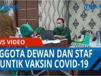 anggota-dewan-staf-dan-pekerja-di-sekretariat-dprd-medan-disuntik-vaksin-covid-19-qq.jpg