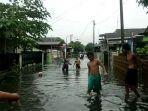 banjir-di-siti-rejo-ii-medan-amplas.jpg