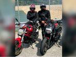 bikers-ducati-diseruduk-kawanan-sapi_20180917_143330.jpg