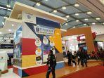booth-fifgroup.jpg