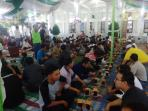 buka-puasa-bersama-di-masjid-agung-tribun3_20160627_205001.jpg