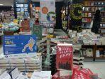 buku-best-seller-di-gramedia-gajah-mada-medan.jpg
