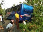 bus-pariwisata-dibawa-makhluk-gaib_20171010_181926.jpg