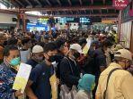 calon-penumpang-membludak-di-bandara-soekarno-hatta.jpg