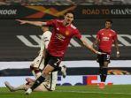 cavani-europa-league-man-united.jpg