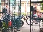 cuplikan-layar-video-pemalakan-oleh-preman-terhadap-seorang-ibu-pemilik-kos.jpg