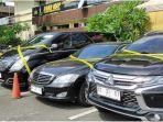 empat-kendaraan-bernomor-pelat-konsulat-rusia.jpg