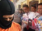 fn-28-tersangka-pembunuhan-ibu-hamil-di-kecamatan-singajaya_20180201_182338.jpg