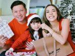gading-marten-gempi-dan-gisel-merayakan-hari-natal-bersama-jumat-25122020.jpg