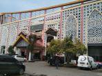 gedung-perpustakaan-daerah-provinsi-sumatera-utara-di-jalan-brigjen-katamso.jpg