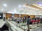 gubernur-sumatera-utara-edy-rahmayadi-saat-memimpin-rapat-sosialisasi-kebersihan.jpg
