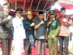 gubernur-sumut-edy-rahmayadi-dan-bupati-deliserdang-ashari-tambunan.jpg