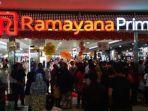 ilustrasi-aktivitas-pelanggan-belanja-di-ramayana-department-store.jpg