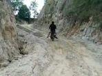 infrastruktur-jalan-menuju-desa-sempuran_20181105_163331.jpg