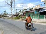 jalan-lintas-tengah-sumatera-siborong-borong_20180806_213056.jpg