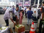 jemaah-salat-jumat-di-masjid-agung-tribun_20161125_150459.jpg