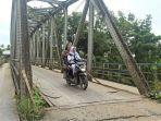 jembatan-di-medan-tuntungan-rusak.jpg