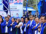 jr-saragih-saat-bersama-pengurus-partai-demokrat-di-nias_20171129_214827.jpg