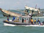 kapal-ilegal-fishing-ditenggelamkan_20180821_120151.jpg