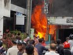 kebakaran-terjadi-pada-toko-cat-di-jalan-kapten-jumhana-nomor-100_20181004_175605.jpg