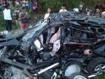 kecelakaan-maut-kondisi-mobil-ringsek.jpg