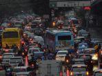 kemacetan-kendaraan-dari-arah-semanggi-menuju-ke-grogol.jpg