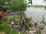 kondisi-pencemaran-sampah-rumah-tangga-di-danau-siombak.jpg