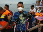 kondisi-pesawat-sriwijaya-air-jatuh-nelayan-melihat-benda-jatuh-di-perairan-pulau-lancang.jpg