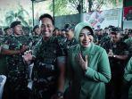 ksad-jenderal-andika-perkasa-bersama-sang-istri-2.jpg