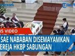 mantan-ephorus-pendeta-sae-nababan-disemayamkan-di-gereja-hkbp-sabungan-siborongborong-qq.jpg