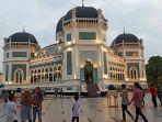 masjid-raya-dibuka.jpg