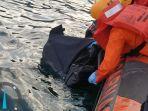 mayat-tersebut-ditemukan-mengambang-di-perairan-danau-toba.jpg