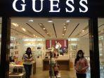 merek-fesyen-asal-amerika-serikat-guess-indonesia-ggg.jpg