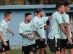 messi-latihan-argentina-fit.jpg