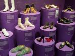 pameran-sepatu-di-inggris-tampilkan-250-koleksi-sepatu_20150612_145312.jpg