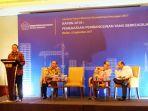 para-pemateri-di-acara-seminar-forum-ekonom-tyribun_20170906_141758.jpg