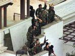 pasukan-khusus-peru-berhasil-bebaskan-sandera-di-kedubes-jepang.jpg