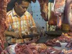 pedagang-daging-di-pusat-pasar.jpg