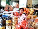 pedagang-kue-kering-di-pusat-pasar-medan.jpg