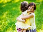 pelukan-ibu-dan-anak.jpg