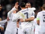 pemain-real-madrid-merayakan-gol-tribun-medancom_20151225_120326.jpg