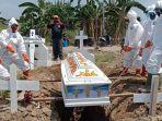 pemakaman-jenazah-covid-19-di-percutseituan-kabupaten-deliserdang.jpg