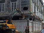 Bobby Benahi Kota Medan, Gedung Bermasalah yang Tak Bisa Tersentuh di Sebelumnya Langsung Dirobohkan